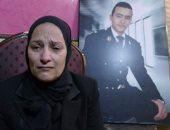 """والدة الشهيد باسم فاروق: """"ابنى قالى ادعيلى أموت شهيد وطلب ملبسش أسود عليه"""""""