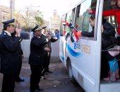 بالصور.. أطفال مستشفى 57 يهنئون ضباط قسم السيدة زينب بعيد الشرطة