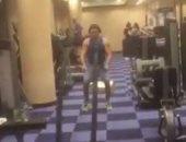 """بالفيديو.. مصطفى شعبان يشارك عمرو دياب فى الجيم.. ويعلق: """"مولانا والهضبة"""""""