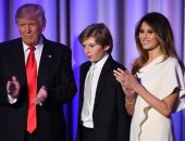 """وقف كاتبة برنامج """"Saturday night live"""" عن العمل بعد سخريتها من ابن ترامب"""