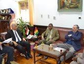 رئيس جامعة الاسككندرية يستقبل سفير غينيا كوناكرى لتفعيل مذكرات التفاهم