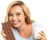 لو بتحب الشيكولاتة خليك فى الداكنة تمد جسمك بالفوائد