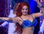 قبل مباراة مصر.. راقصة روسية ترحب بالمصريين على أغنية إلعب يلا.. فيديو
