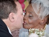 """""""غرام العجائز"""".. خطوبة معمرة 106 أعوام ورجل 66 عاما بدار مسنين بالبرازيل"""
