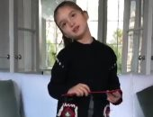 بالفيديو.. حفيدة ترامب تغنى للصيينين بالسنة الجديدة..وجدها يمتنع عن التهنئة