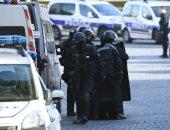 ملثمان يقتلان رجلا رميا بالرصاص وسلاح أبيض فى قلب باريس
