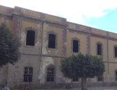 بالفيديو والصور.. قصر محمد على بالسويس يتحول لمأوى للكلاب الضالة