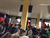 بالصور..  وصول لاعبى المنتخب مطار ليبرفيل وتأخر إقلاع الطائرة ساعتين