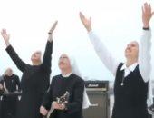 """بالفيديو.. راهبات يؤسسن فرقة موسيقية باسم """"الأخوة مونيكا"""""""