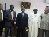 رئيس جامعة أسوان يستقبل وفدا سودانيا لبحث سبل التعاون المشترك