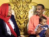 """بالصور.. أسرة سودانية تسعى لدخول أمريكا رغم مخاوفها من """"ترامب"""""""