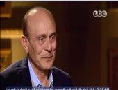 بالفيديو.. محمد صبحى باكيا: زوجتى صنعت 90% من فنى وشاركتنى رحلة 45 عاما
