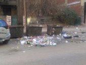 قارئ يناشد مسئولى حى الزيتون رفع القمامة المتراكمة بالشوارع