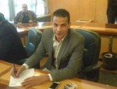 الزميل أيمن عيسى يتقدم بأوراق ترشحه على مقعد تحت السن بانتخابات الصحفيين