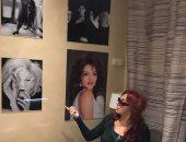 بالصور.. مطعم إيطالى بباريس يضع صورة نبيلة عبيد بجوار نجمات هوليوود
