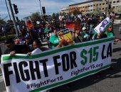 بالصور.. مظاهرات لموظفى المطاعم بأمريكا لرفع أجورهم لـ15 دولار فى الساعة