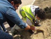 بالفيديو والصور.. متحف السويس يدرب الطلاب على الحفائر واستخراج الآثار