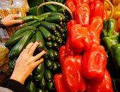 اسعار الخضروات والفاكهة اليوم.. الطماطم بـ2 جنيه.. والجوافة 4 جنيهات