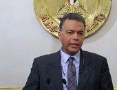 وزير النقل يستقل قطار ركاب أسوان من محطة الجيزة ويستمع لشكاوى المواطنين