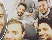 """""""سيلفى"""" حماقى ورامى صبرى وتامر حسين وأحمد جمال أثناء العودة من الإمارات"""