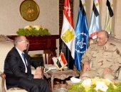 بالصور..رئيس الأركان يلتقى المبعوث الأممى لليبيا ويؤكد دعم مصر للتوافق الليبى