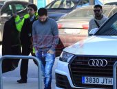 بالصور.. ميسى يبدأ التحرك من برشلونة متجها إلى مصر