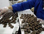 ضبط 36 ألف قطعة شيكولاتة مغشوشة و17 طن مستلزمات إنتاج مجهولة المصدر بالقناطر