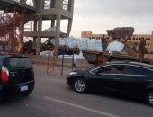 توقف حركة مرور طريق الإسماعيلية بعد اصطدام سائق بكوبرى لنومه أثناء القيادة
