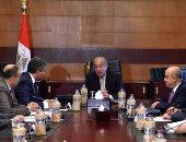 شريف إسماعيل يوجه وزيرى السياحة والطيران بوضع برامج لزيادة الحركة الوافدة