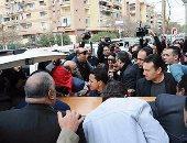 بالصور.. وصول جثمان الفنان الراحل صلاح رشوان لمسجد الصديق بمساكن شيراتون