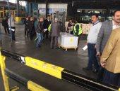 بالفيديو والصور.. جثمان عمر عبد الرحمن يغادر مطار القاهرة الدولى