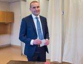 هل يمكن وضع الأناناس على البيتزا.. سؤال تسبب فى أزمة لرئيس أيسلندا