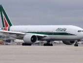 الخطوط الجوية الإيطالية تلغى 60% من رحلاتها بسبب إضراب موظفيها