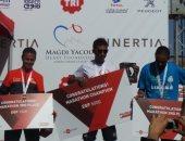 بالصور.. مجدى يعقوب ومحافظ أسوان بالزى الرياضى فى توزيع جوائز الماراثون