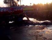قارئ يرصد سيارة تلقى مياه الصرف فى ترعة بحر  أبو الأخضر بالقليوبية