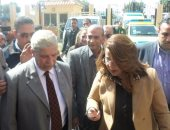 بالفيديو والصور ..وزيرة التضامن تصل الإسماعيلية لزيارة أقباط العريش