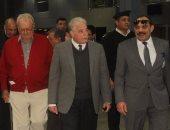 بالصور.. محافظ جنوب سيناء يستقبل الأمير هنريك بمطار شرم الشيخ الدولى