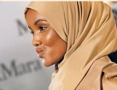 """""""حليمة عدن"""" العارضة الأمريكية المسلمة تتألق بالحجاب فى موسم الموضة بميلان"""
