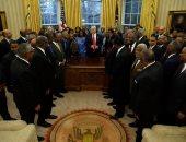 """بالصور.. ترامب يلتقى """"القادة السود"""" للكليات والجامعات الأمريكية"""