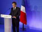 إيريك كانتونا يدعو لإلغاء الانتخابات الفرنسية ويهاجم فيون