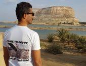 بالصور.. خالد النبوى يروج للسياحة من سيوة: تعالوا إلى مصر
