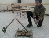 بالفيديو والصور.. طالب يبتكر فكرة حفار يعمل بضغط المياه بديلا للسولار بسوهاج