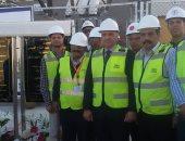 بالصور.. فرحة العاملين بمحطة كهرباء بنى سويف لحظة افتتاحها