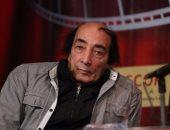 أشرف زكي: الفنان عبد الله مشرف غادر المستشفى بعد تحسن حالته الصحية