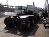 مصرع مدرس وإصابة أسرته فى حادث انقلاب سيارة بأسيوط