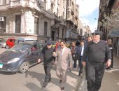 بالصور.. مدير أمن الإسكندرية يقود حملة مكبرة فى المنشية