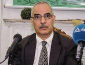 بالصور.. عميد أصول الدين السابق يطالب بنصوص مسيحية فى المناهج للتقارب بين الطلاب