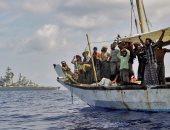 قوة الاتحاد الأوروبى تفجر مركبا للقراصنة قبالة سواحل الصومال