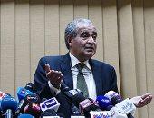 وزير التموين من الأقصر: الفراخ سليمة والناس أكلتها مسلوقة ومشوية وبانيه
