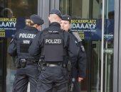 ألمانيا: القبض على مشتبه به تعاون مع ضابط متطرف انتحل صفة لاجئ سورى